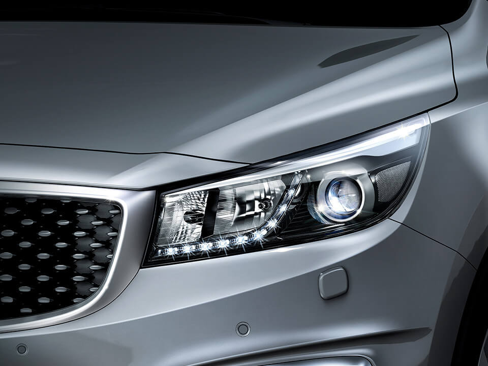 kia-car-bureau-grand-carnival-exterior-luces-led