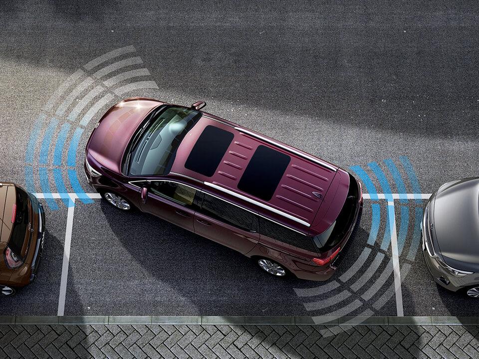kia-car-bureau-grand-carnival-exterior-sensores-de-estacionamiento