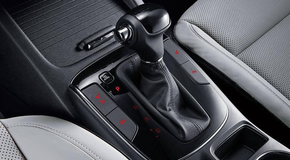Kia Cerato Hatchback Interior - Transmisión Automática