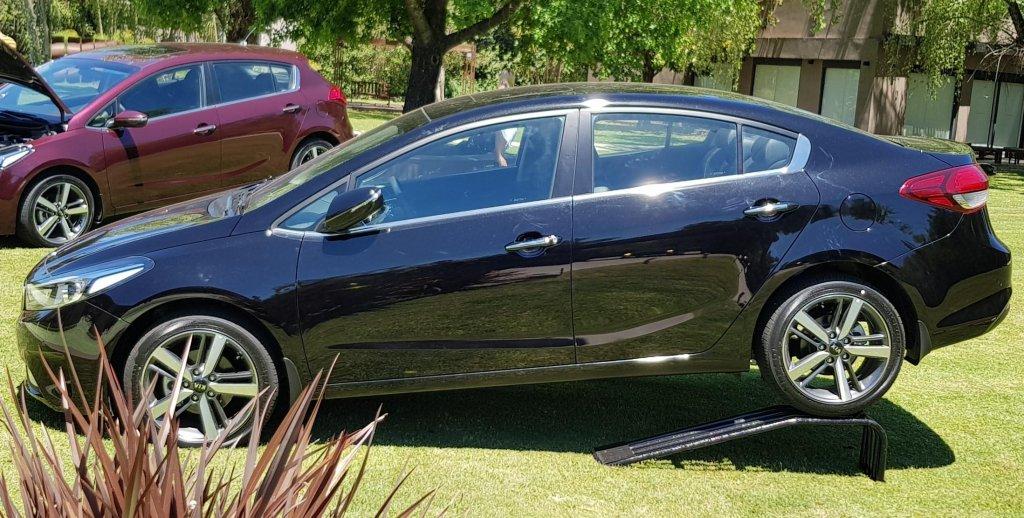 Presentación Kia Cerato Sedan