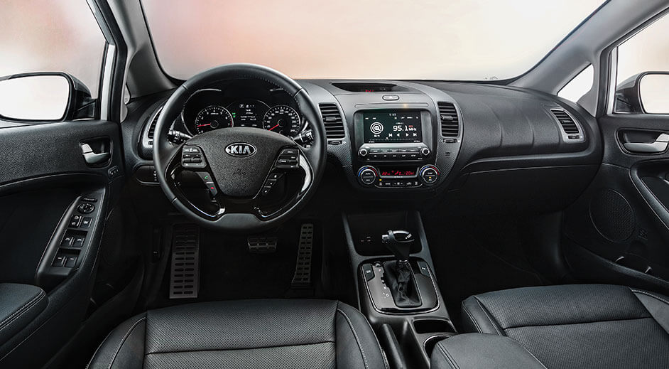 Cerato Hatchback - Interior