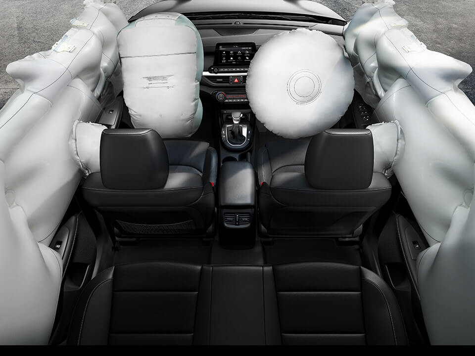 Car Bureau - Nuevo Kia Cerato - Performance - 6 Airbags
