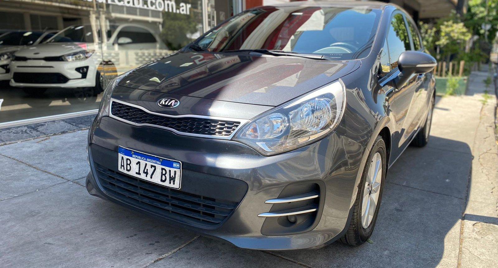 Usados Car Bureau - Kia Rio- 2