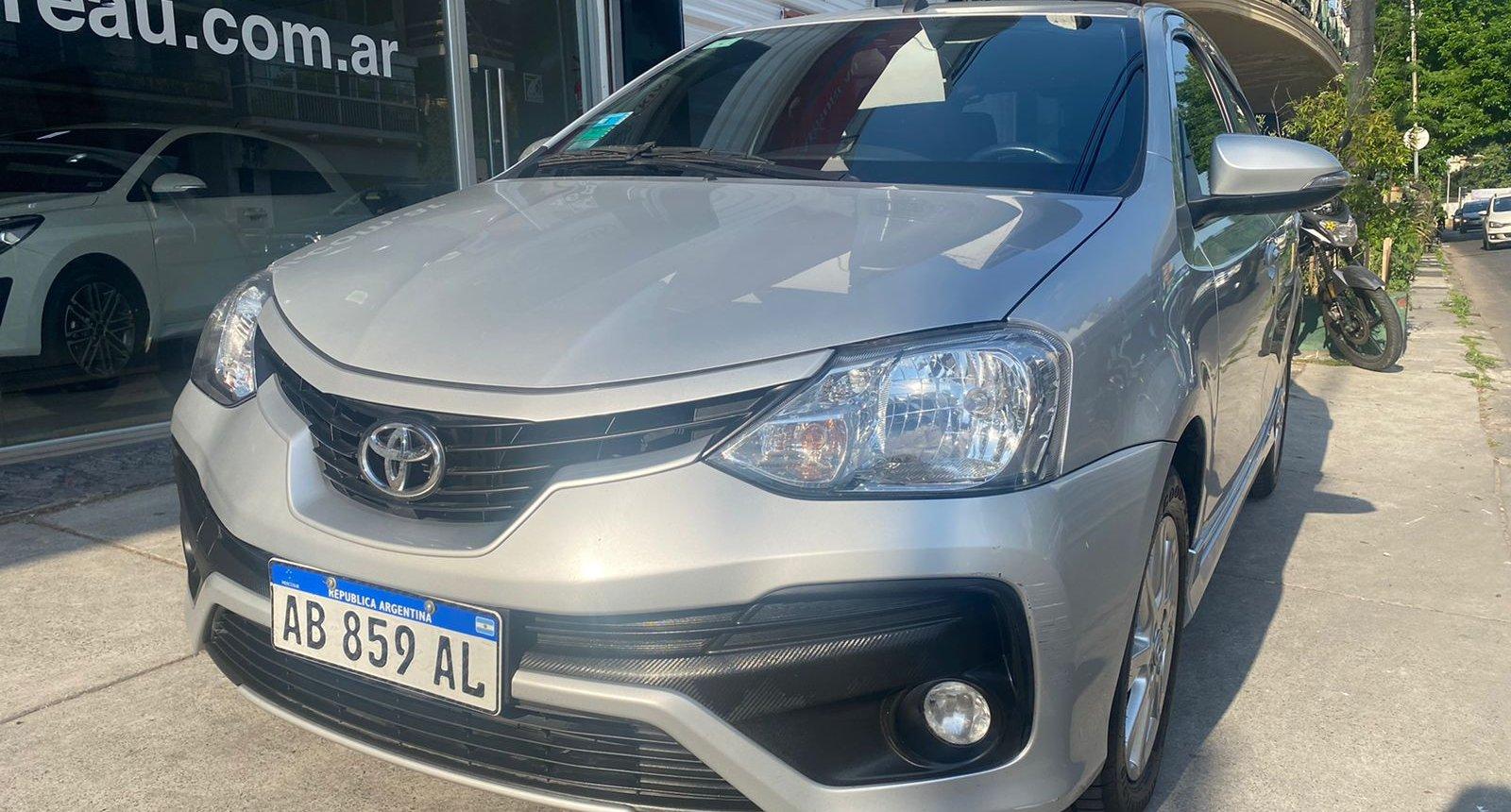 Usados Car Bureau - Toyota Etios -2